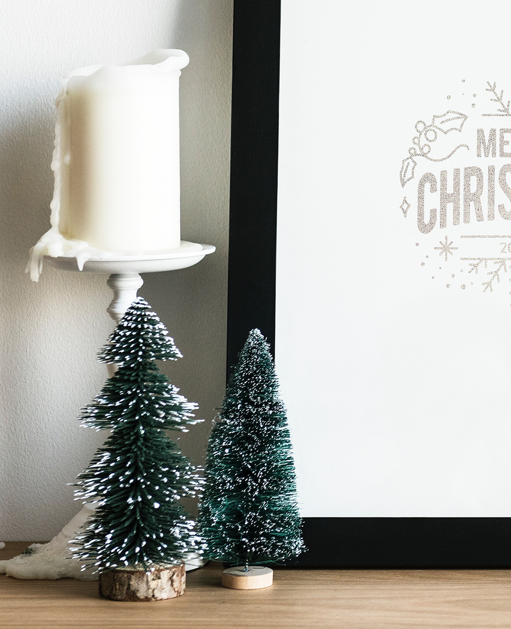 Modern simple Christmas decor.