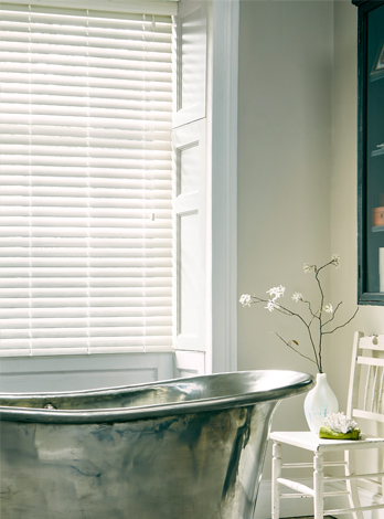 How to clean your wooden blinds